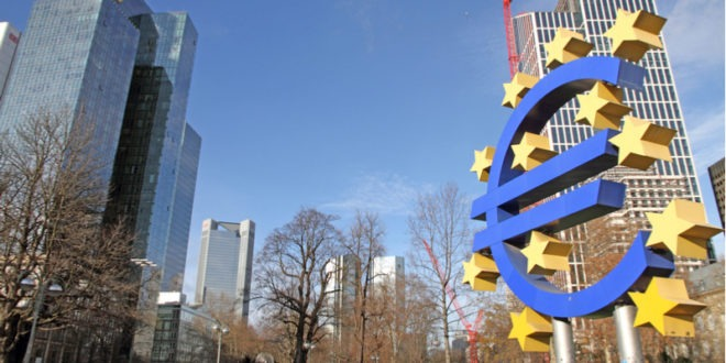 منطقة اليورو، النشاط الخدمي، اليورو