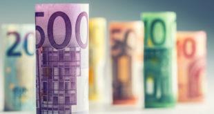 اليورو، المركزي الأوروبي، الدولار