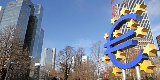 منطقة اليورو، الإنتاج الصناعي، اليورو