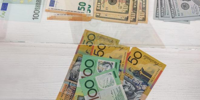 أستراليا، الحساب الجاري، الدولار الاسترالي