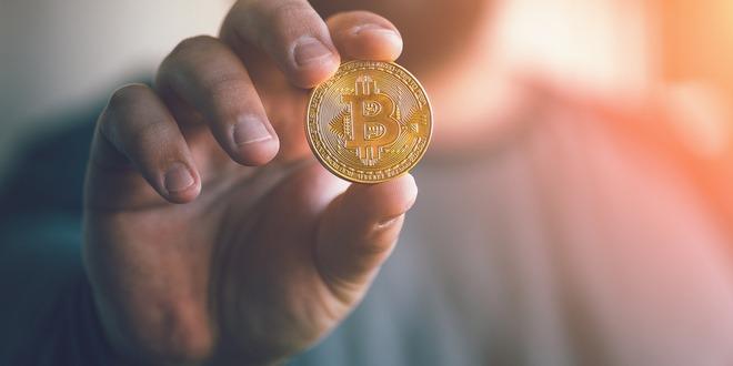 العملات المشفرة، البيتكوين، العملات الإلكترونية