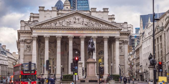 بنك إنجلترا، الاقتصاد، الاسترليني