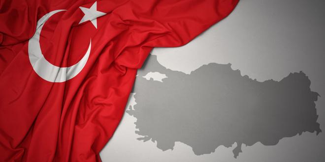 ما مدى تأثير التغيرات الاقتصادية المفاجئة في تركيا على العملة والأسهم المحلية؟