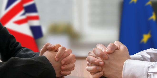 بريطانيا منفتحة للعمل مع أوروبا من أجل حل وسط في اتفاق البريكست