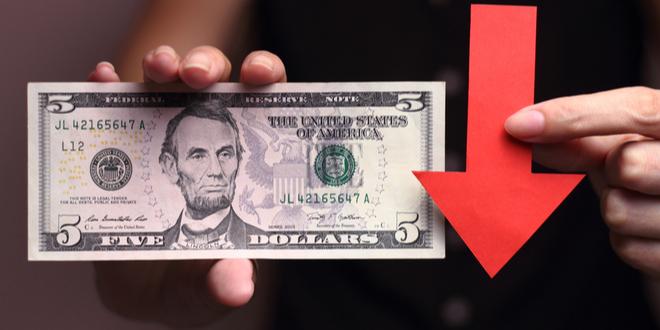 الضغط يتزايد على مؤشر الدولار والأنظار معلقة بنتائج السباق الانتخابي