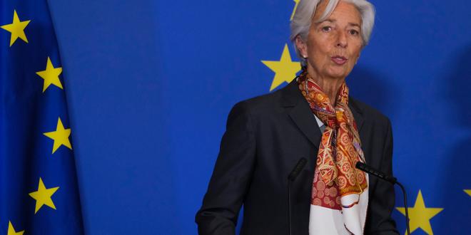 لاجارد تؤكد تعامل البنك المركزي مع الأزمة الحالية بنفس النهج والتصميم