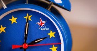 اتفاق تاريخي للبريكست يدفع بالاسترليني لأعلى مستوياته منذ مايو