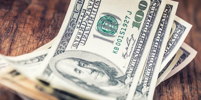 الدولار الأمريكي يستقر في مستهل الأسبوع الجديد
