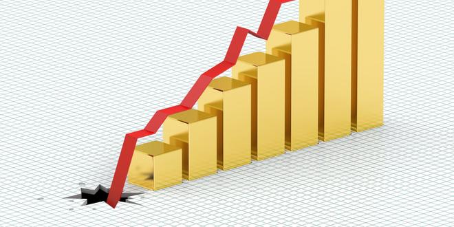 الذهب يتراجع عن أدنى مستوى في شهرين ونصف الشهر لماذا؟!
