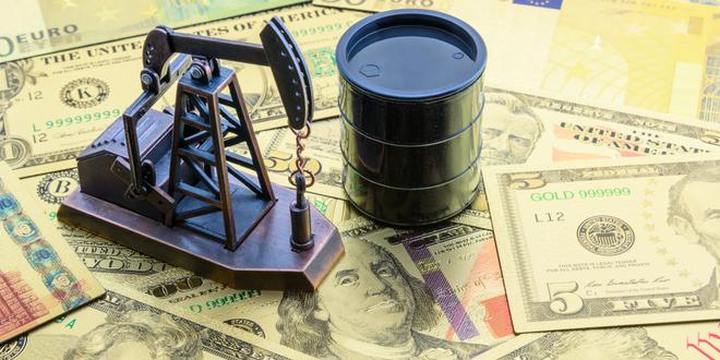 أسعار النفط تبدأ الأسبوع الجديد بتراجع لهذا السبب!